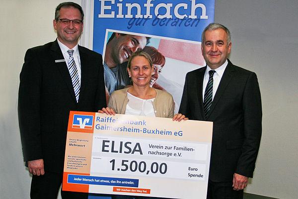 Spendenübergabe an ELISA